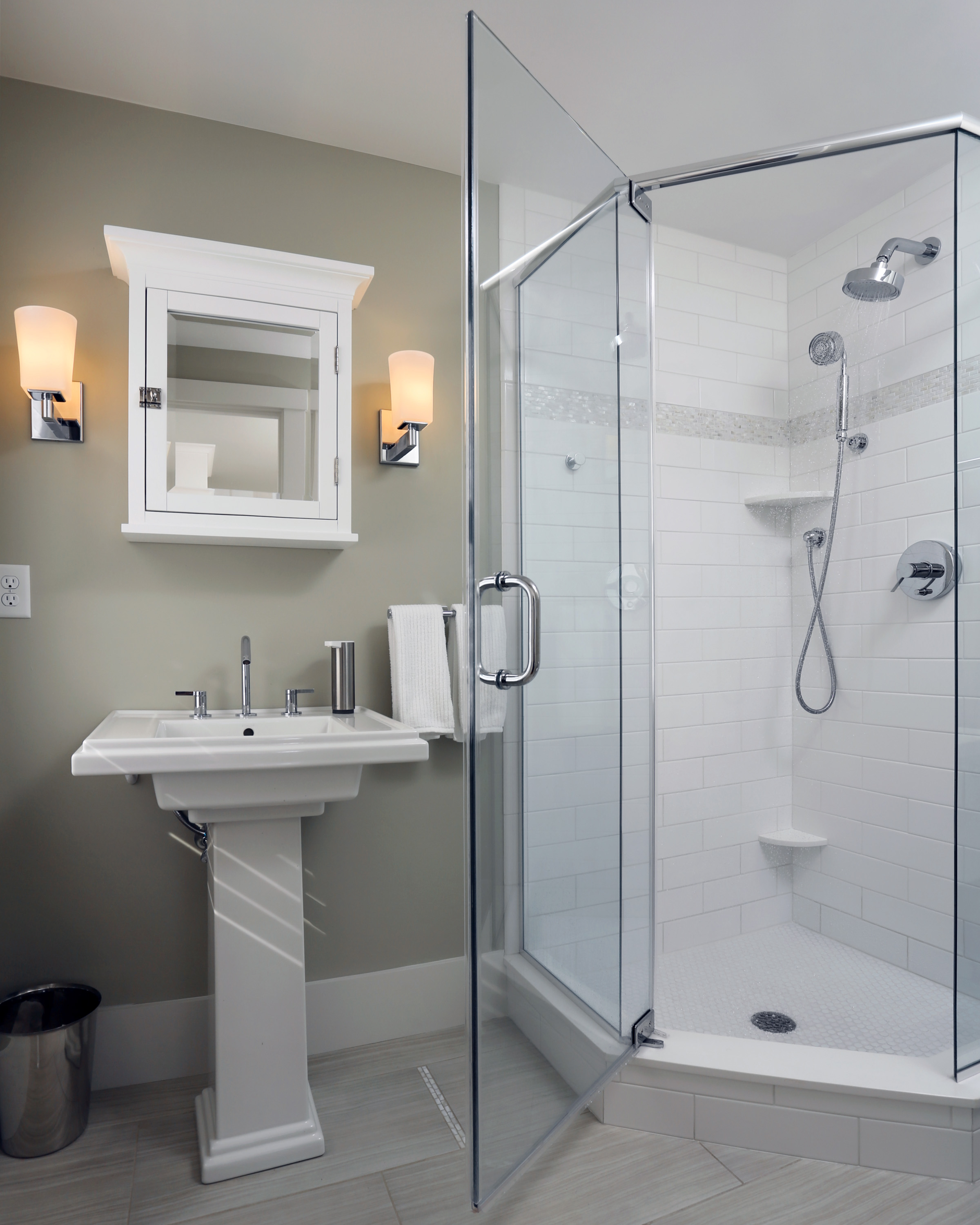 An Emerging Bathroom Trend: Zero Threshold Shower
